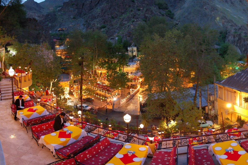 darband-restaurants-valley-Tehran's Darband Mountain Retreat