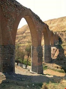Ghaleh hatam Bridge