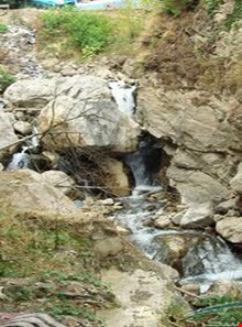 larcheshmeh waterfall