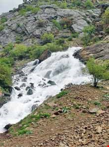 Pashndgan waterfall