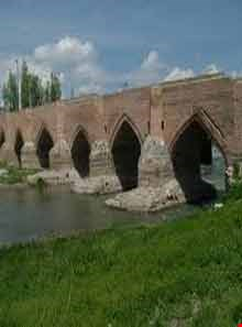 Historical bridge of Yeddi Goz  ( Haft cheshmeh )